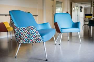 Des fauteuils design au revêtement sur mesure
