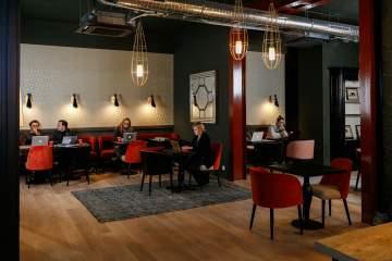 De superbes espaces de travail dans une ambiance lounge