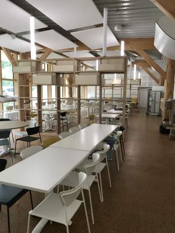 Grandes tablées et assises design